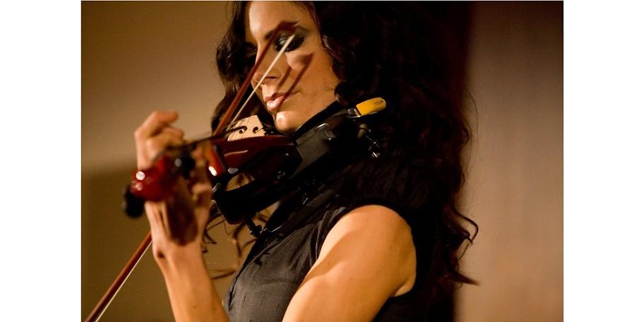 Celine Roschek