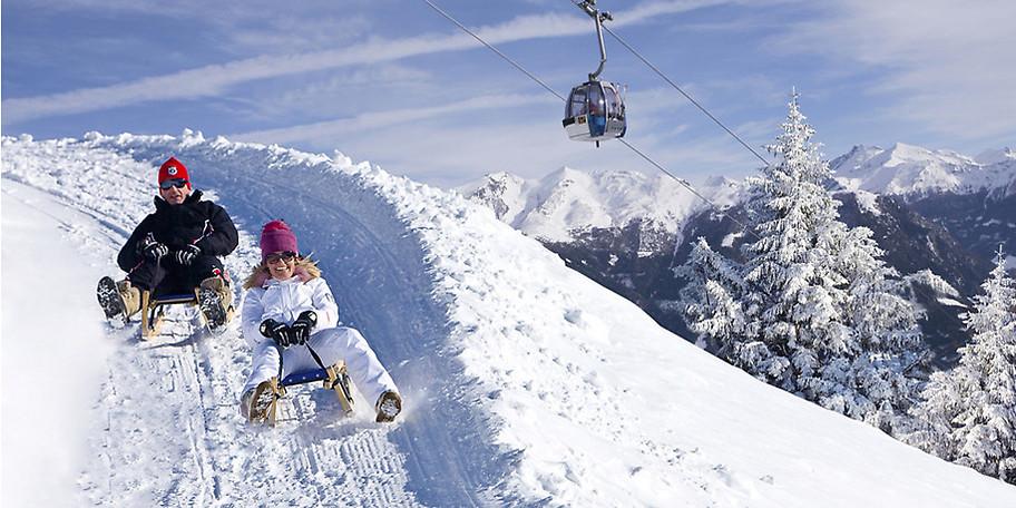 Auch beim Rodeln bleibt der Spaß nicht auf der Strecke im Skigebiet Rosskopf