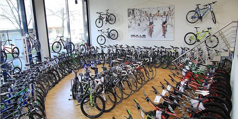 Im Showroom von Fahrrad Seeger finden Sie bis zu 1000 Fahrräder