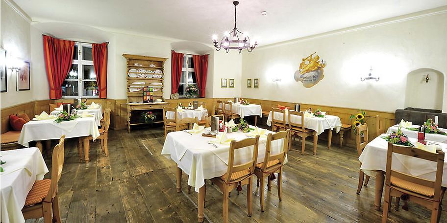 Der Speisesaal im Hotel Goldener Engl lädt zum Verweilen ein