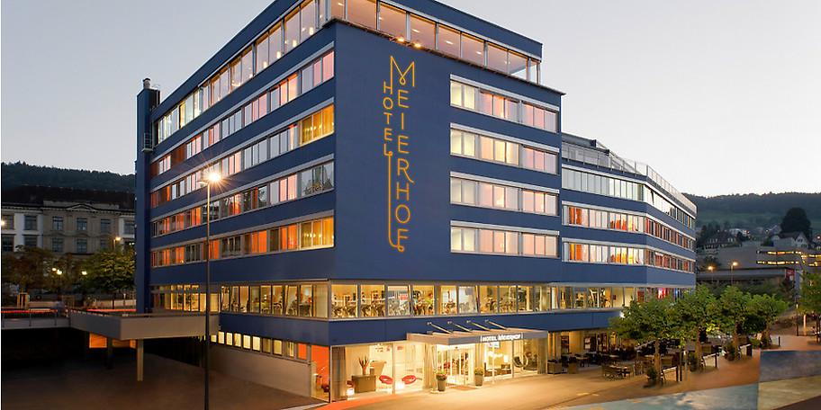 Das Hotel liegt direkt am Zürichsee