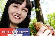 Gutschein für Willkommen in der neuen Fankurve in Stadtbergen bei Augsburg von Fifty Fifty Sports & Burger Bar