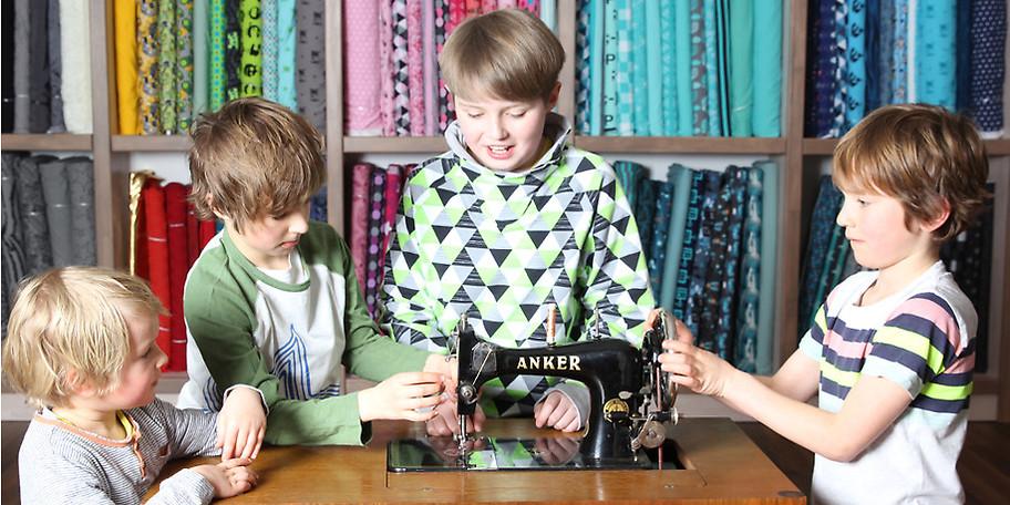 Wir nähen gerne modische Kleidungsstücke für unsere Kinder