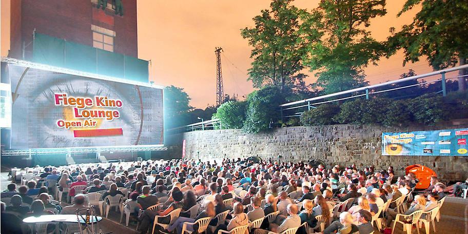 Genießen Sie einen gemütlichen Abend im Fiege Open Air Kino