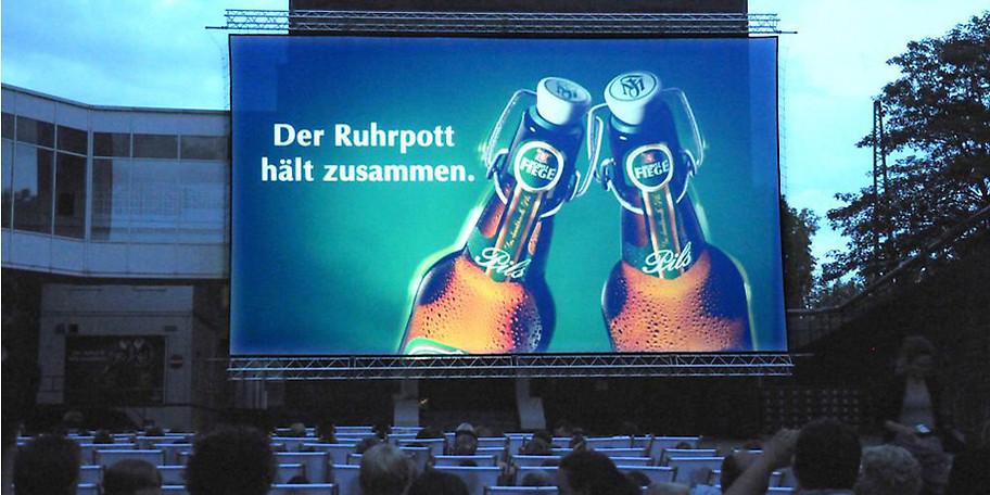 Machen Sie sich einen schönen Abend mit Ihren Freunden im Freiluftkino in Bochum