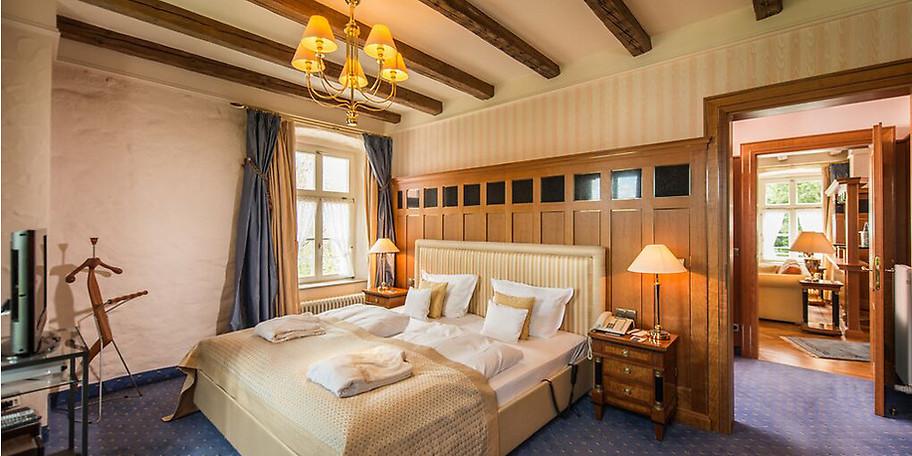 Die großzügigen und liebevoll gestalteten Zimmer und Suiten sind Inseln der Behaglichkeit mit höchstem Wohnkomfort