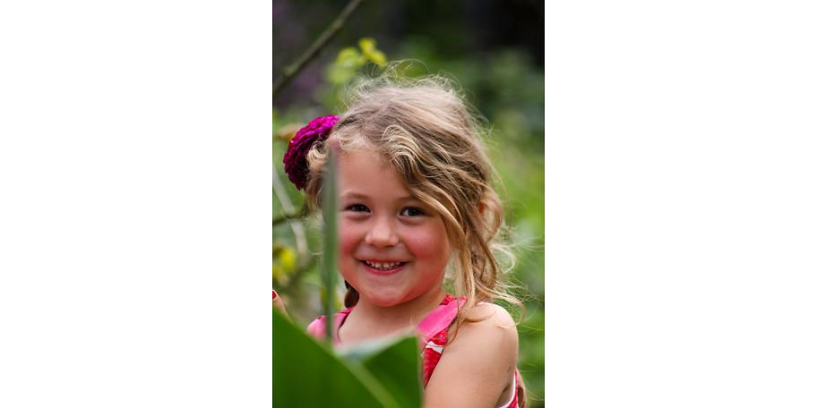Unsere kleinen Abenteurer lieben die vielen Pflanzen auf dem Ferienhof