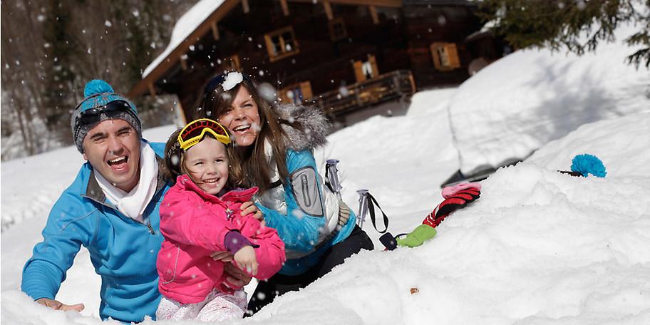 Familienurlaub im Schnee – im KinderHotel POST in Unken (Österreich)
