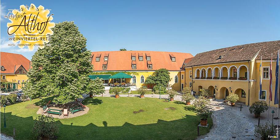 Wunderbare Außenansicht auf das Hotel Althof Retz****