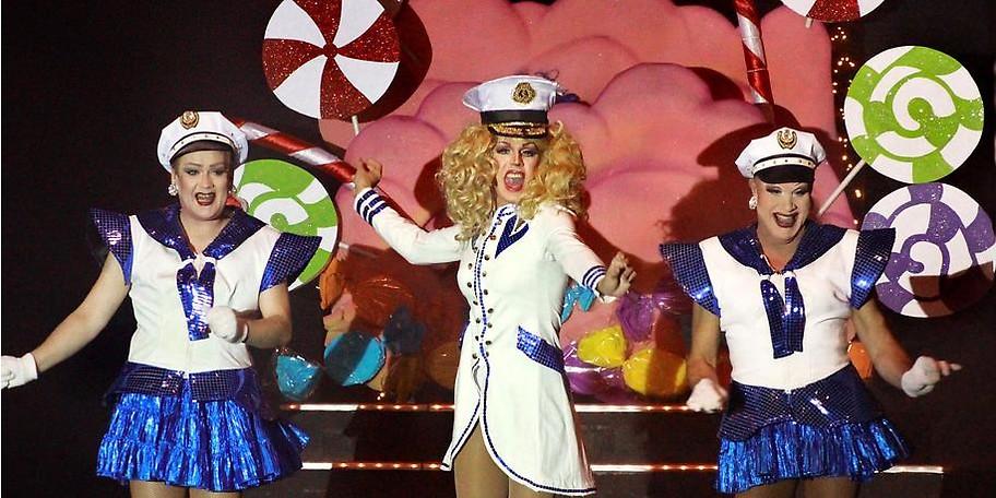 """Der Revue Palast - das weltweit erstes Travestietheater """"auf Zeche"""""""