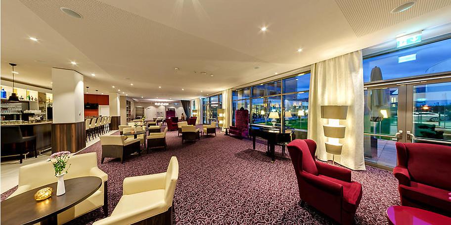 Die Lobby in Göbel's Seehotel lädt zum Verweilen ein
