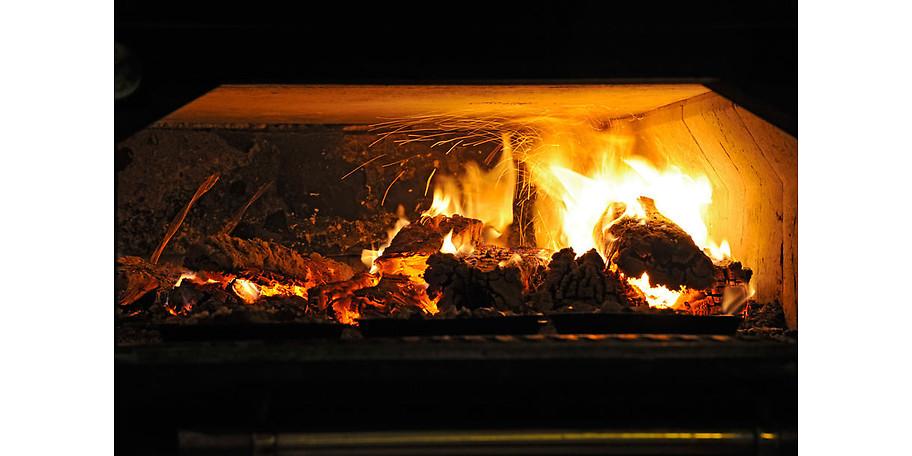 Ein außergewöhnliches Highlight ist auch unser Steinofen im Restaurant