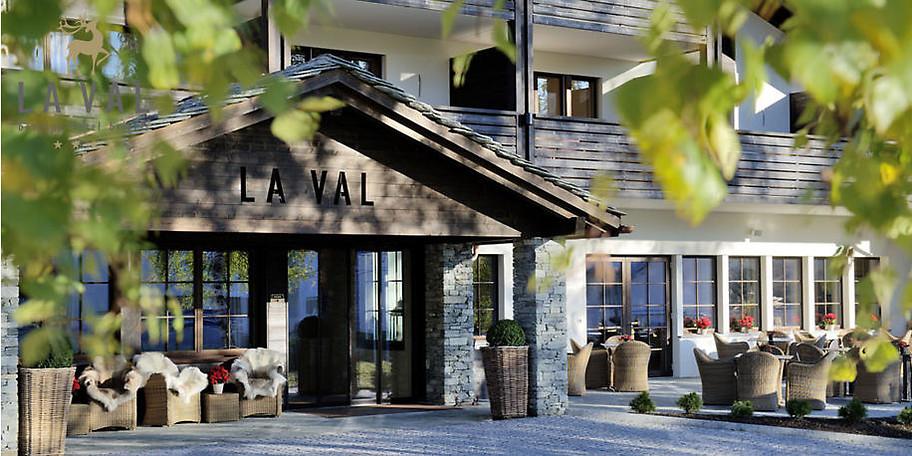 Wunderbare Außenansicht auf das Hotel LA VAL