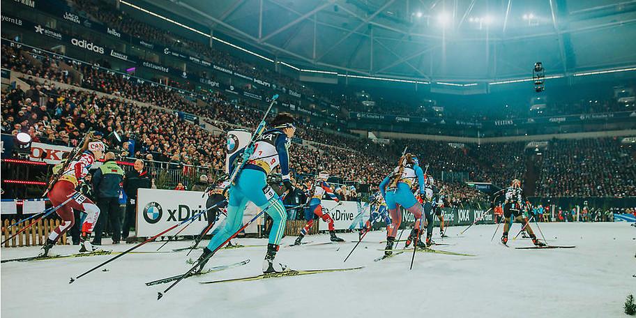 Die rund 1,3 Kilometer lange Strecke ist intensiv - Lange Steigungen und schnelle Abfahrten erfordern Top-Leistungen der Biathlon-Elite