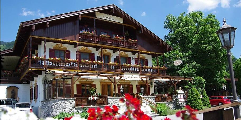 Wunderbare Außenansicht des Hotels Der Alpenhof in Bayrischzell