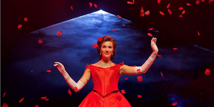 Freuen Sie sich auf Anna Hofbauer in der Rolle der Kaiserin Sissi