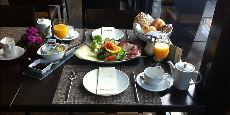 Leckeres Frühstück im Restaurant Fährhaus in Wesel-Bislich