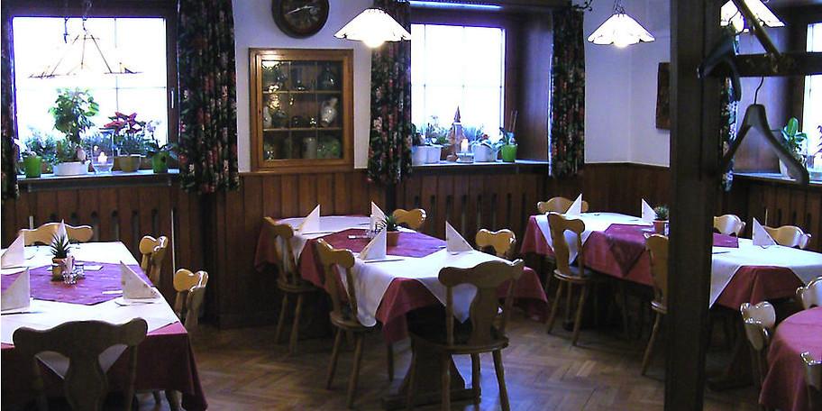 Gemütlicher Innenraum im Gasthof Weisses Rössle in Königsbronn