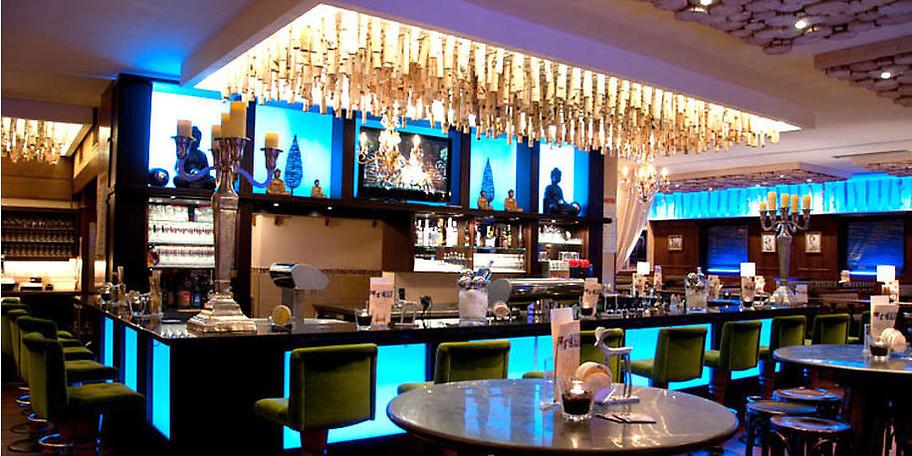 """Das Restaurant """"Rosenstuben"""" befindet sich direkt im Gebäude der Tanzmetropole"""