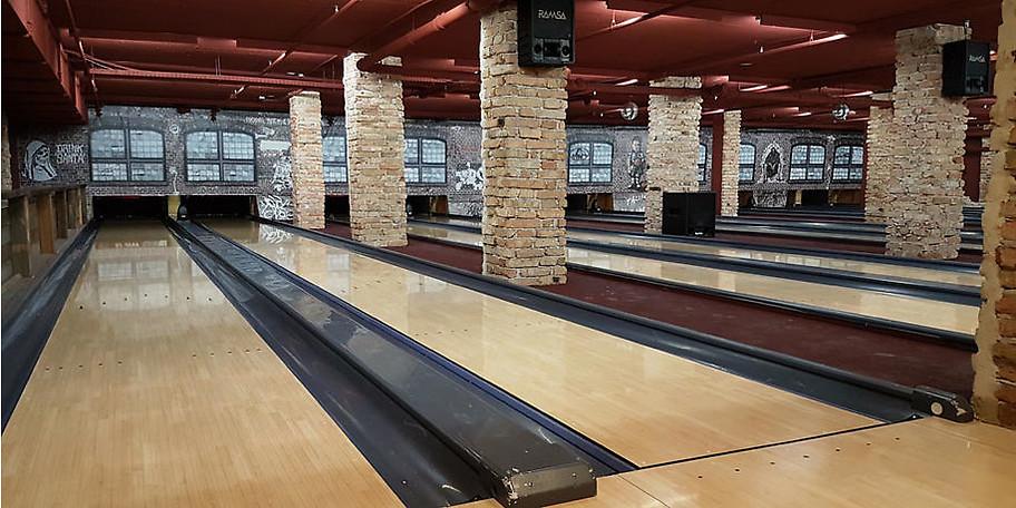 BOB'S in München bietet volle Action auf 15 Bowlingbahnen
