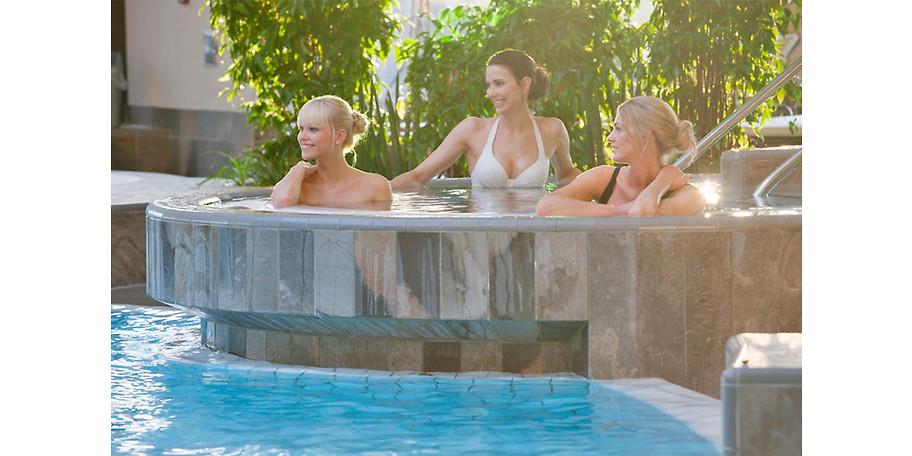 Gönnen Sie sich einen entspannten Tag in der Carpesol SPA Therme