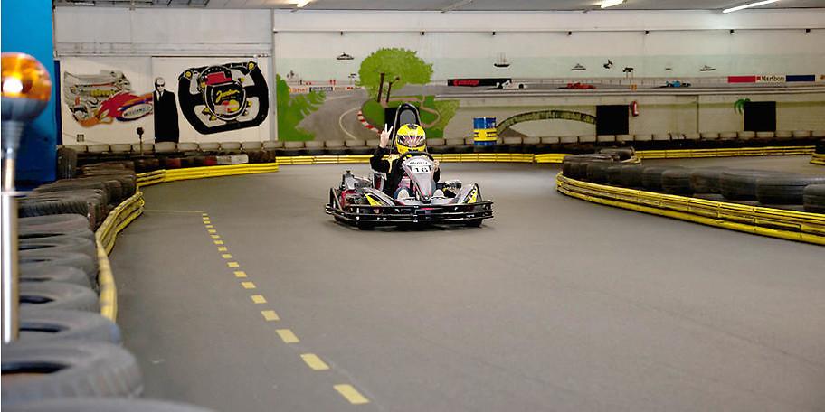 Formel-1-Feeling auf der Indoorkartbahn in Werther
