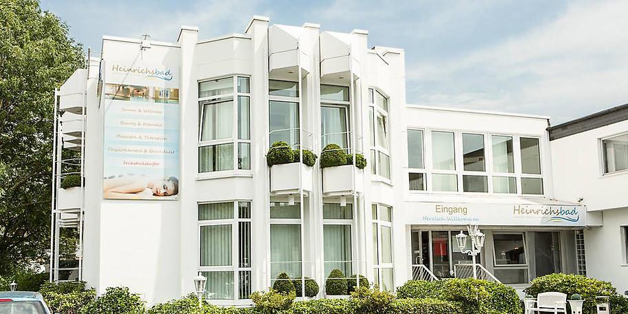 Das Team des Heinrichsbad in Mülheim heißt Sie herzlich Willkommen