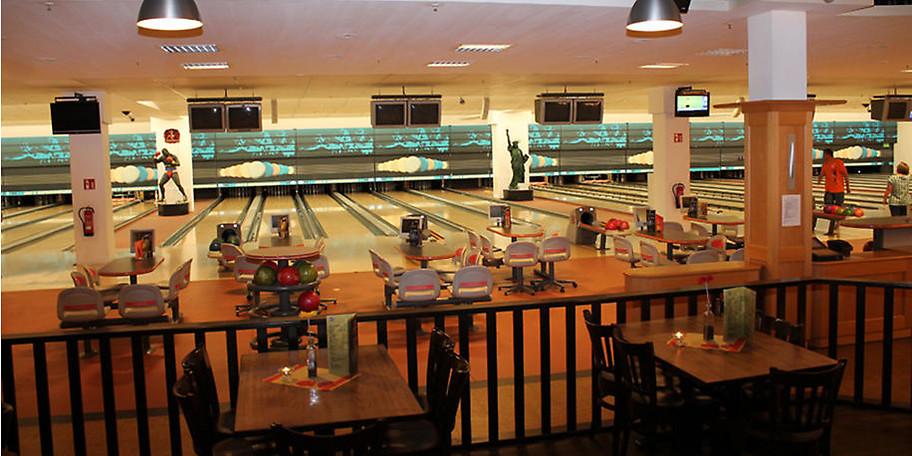 Im Rhein-Ruhr Zentrum finden Sie auch ein Bowling- und Entertainmentcenter