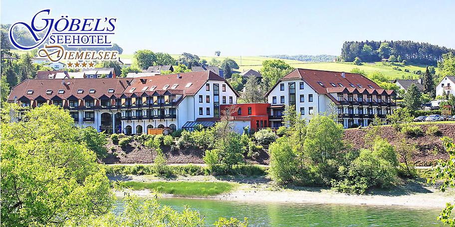 Wunderbare Außenansicht auf das Göbel's Seehotel am Diemelsee
