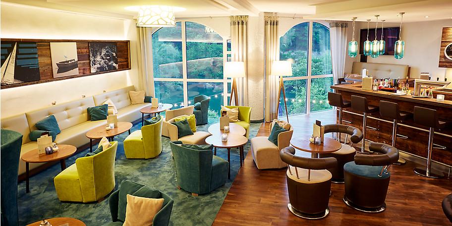 Die Bar in Göbel's Seehotel lädt zum Verweilen ein
